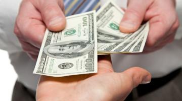 Penge skifter hænder - lån