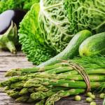 kologiske grønne grøntsager og asparges