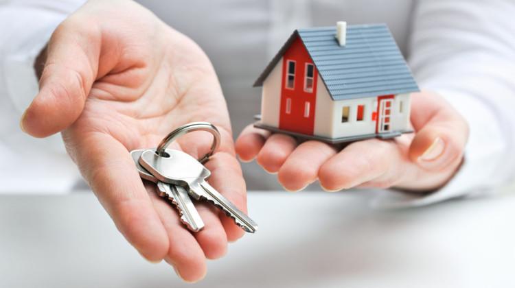Ejendomshandel hus og husnøgler